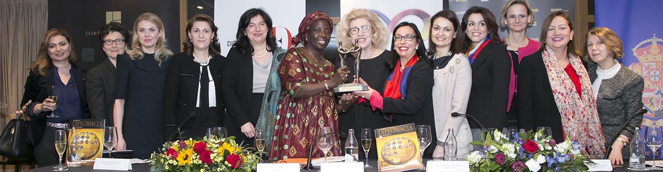 Mujeres_y_diplomacia_2