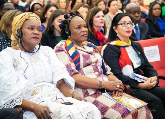 Premios Mujeres Avenir conferencia Internacional Mujer y Diplomacia