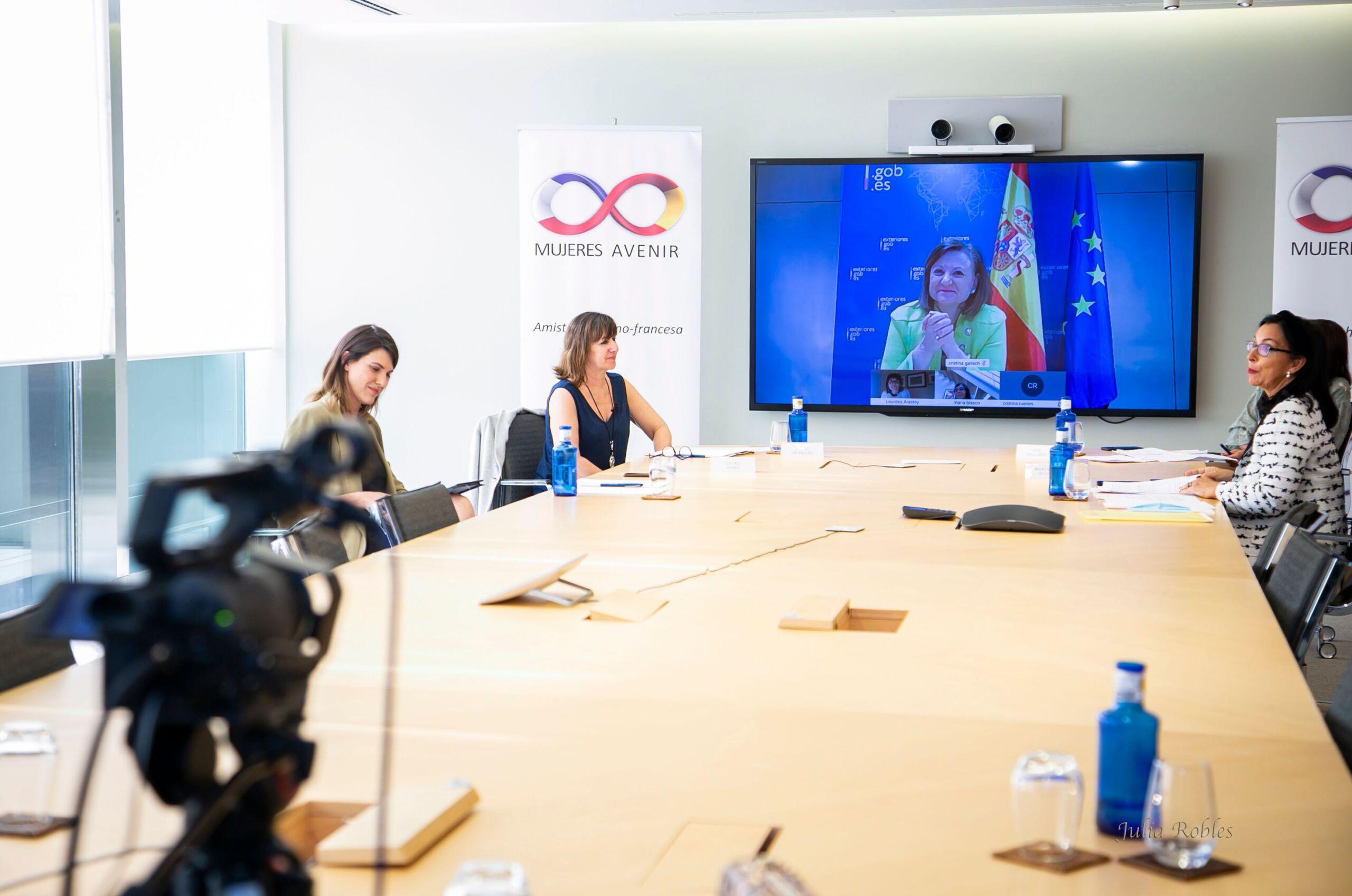 Evento Streaming Mujeres Avenir Salir de la Crisis Pandemia